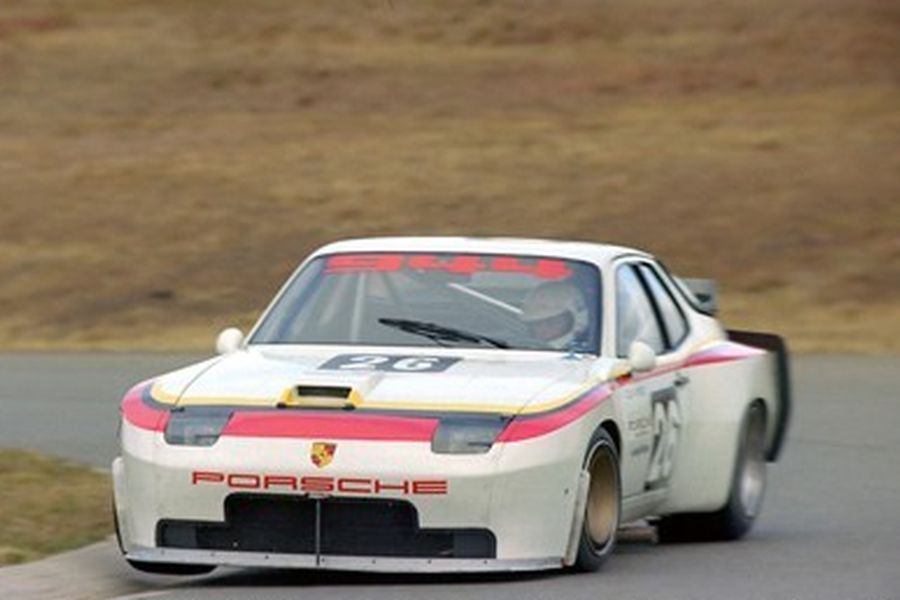 Colin Bond's #28 Porsche 944 Turbo in 1982