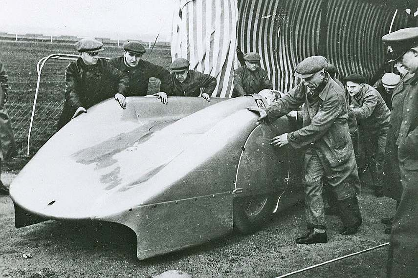 Rosemeyer's record car, January 1938