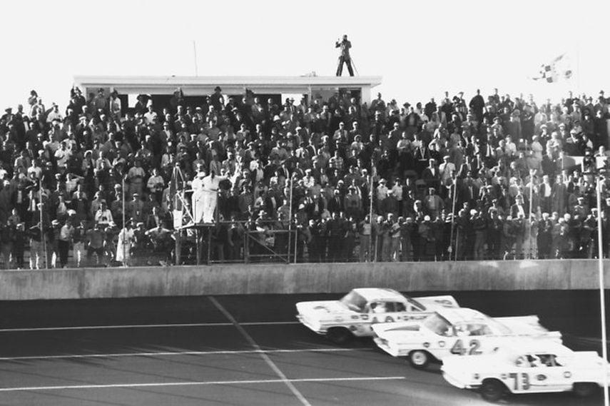 history, 1959 Daytona 500, winner Lee Petty, qualifying, black and white