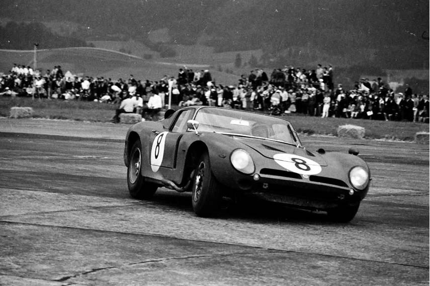 Bizzarrini 5300 GT Strada chassis, based on ISO AC3/C, black and white