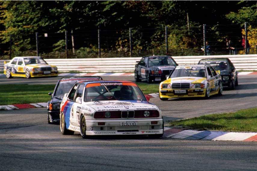 BMW M3 E30 turning a corner