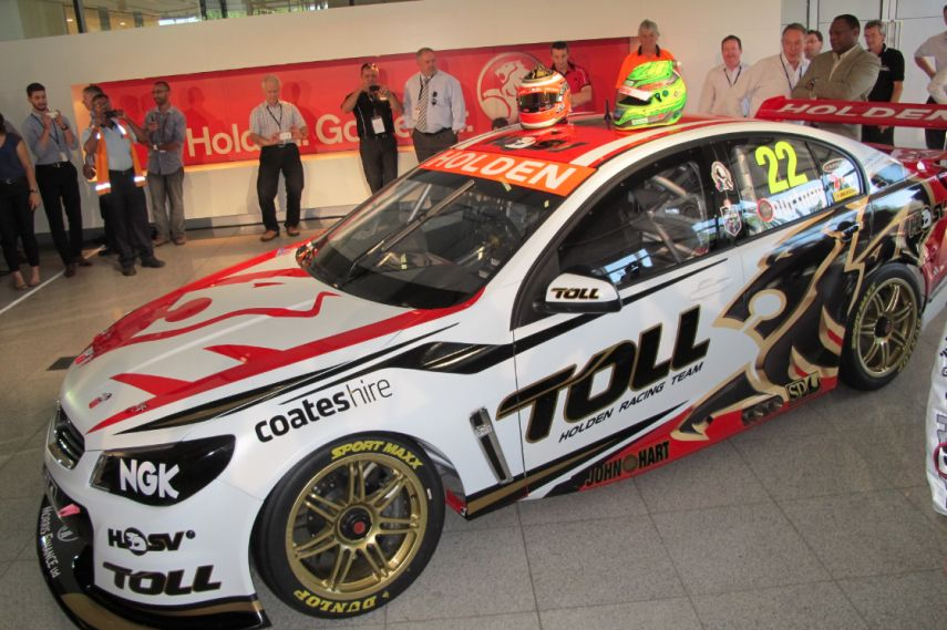 VF Commodore was presented in February 2013, Holden Racing Team, Australia, motorsport, Facebook, Twitter, view