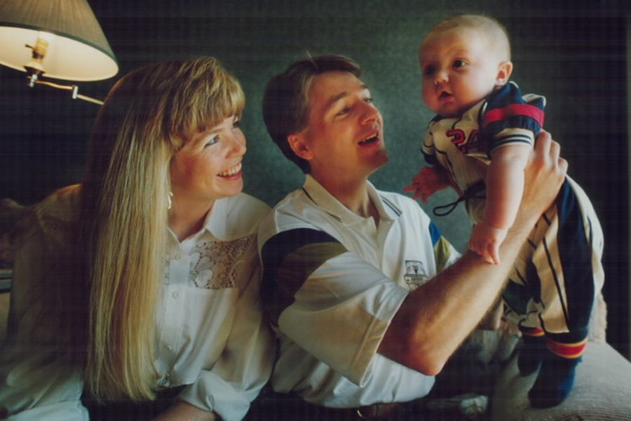 Scott Goodyear, wife Leslie and son Christopher in 1992