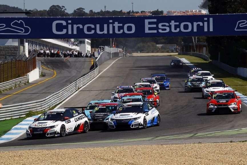 TCR International Series, race 1 at Estoril