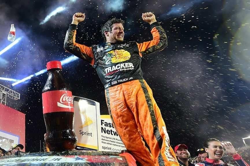 Martin Truex Jr., NASCAR Sprint Cup Series, Coca-Cola 600, Charlotte Motor Speedway