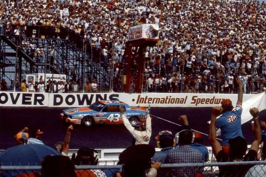 Richard Petty, Dover International Speedway, The Monster Mile