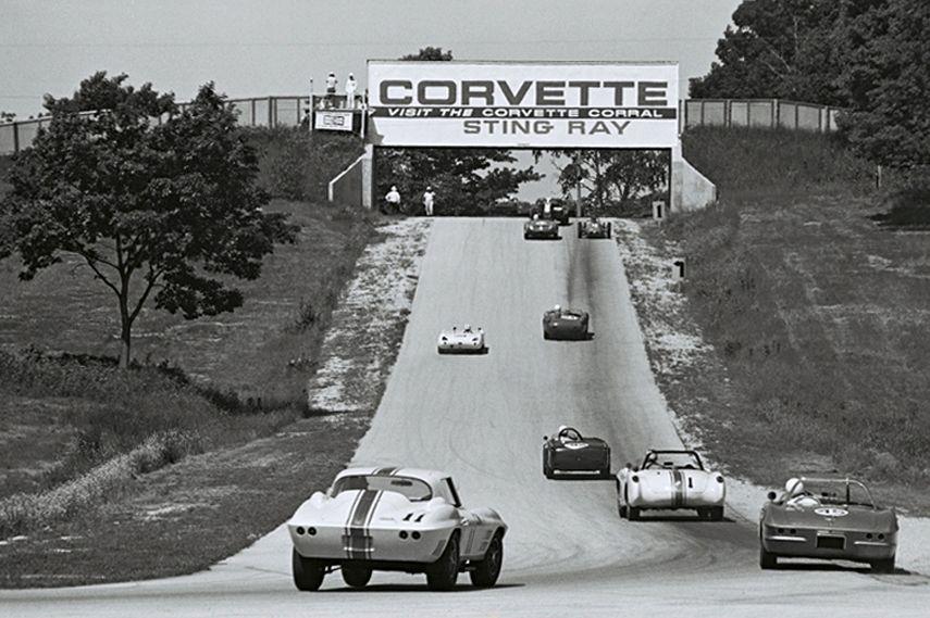 Road America, Corvette Bridge, black and white