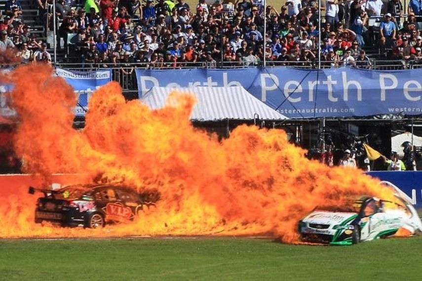 Barbagallo 2011 V8SC race, crash Reindler Owen
