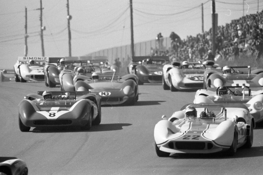 B&W photo of the start of 1967 Can-Am Race at Canadian Tire Motorsport Park