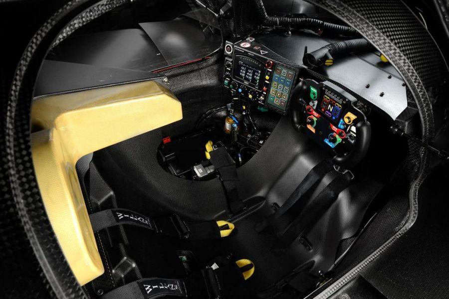 Ligier JS P2 interior