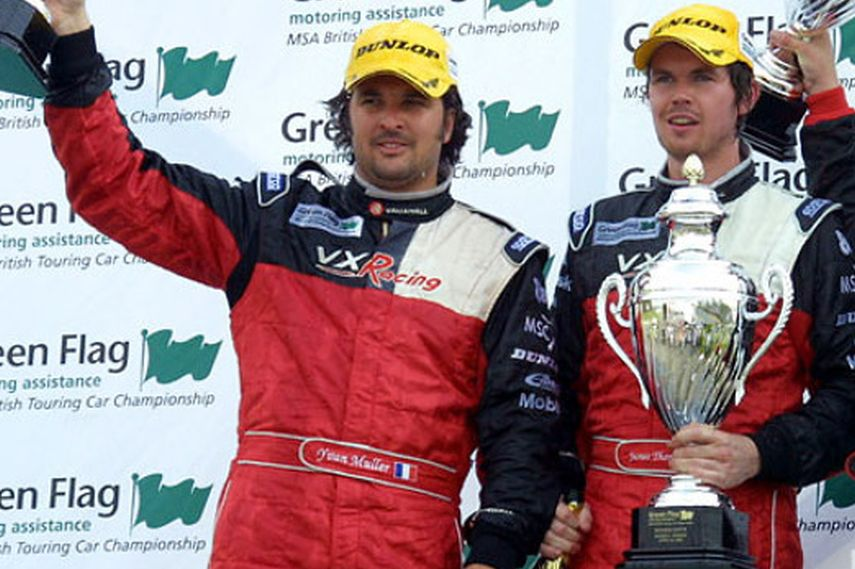 Yvan Muller, James Thompson, 2004 BTCC