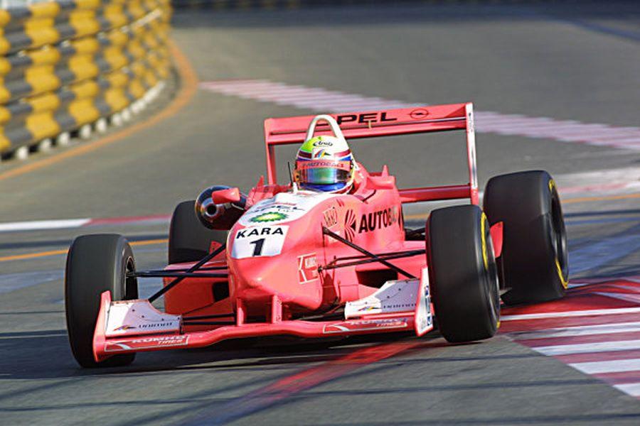 Toshihiro Kaneishi F3