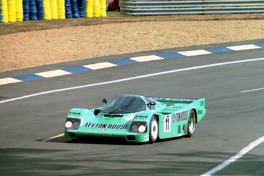 In 1987, Taylor debuted at 24h Le mans with Porsche 962C