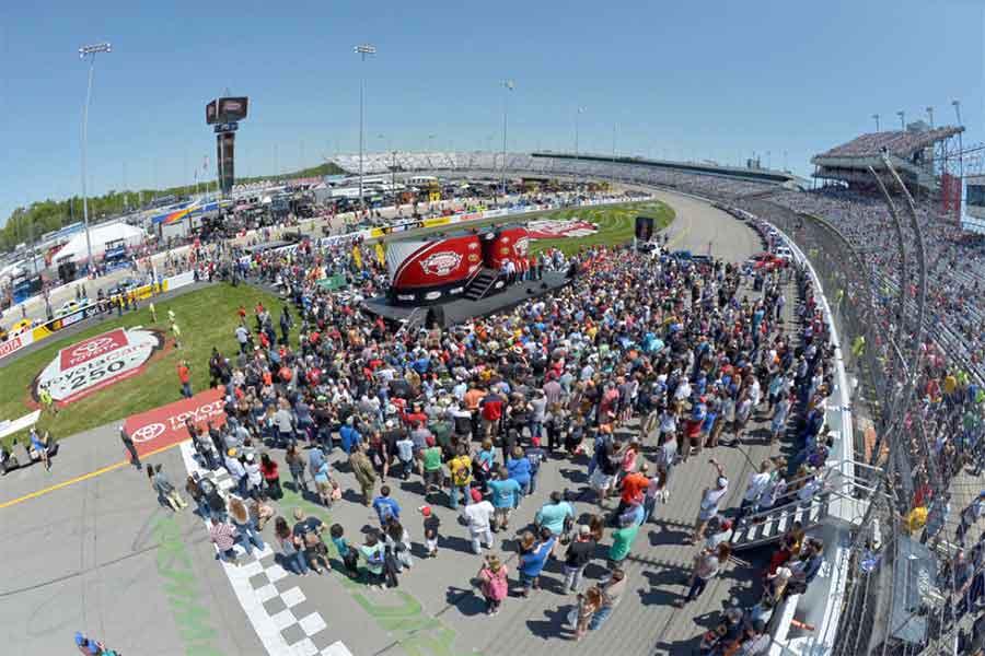 Richmond International Raceway, pre-race atmosphere