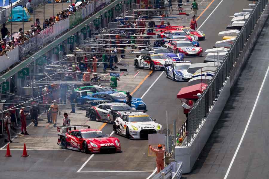 Sportsland SUGO Super GT pitlane open