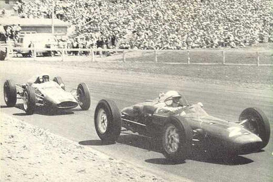 John Surtees and Bruce McLaren at 1963 New Zealand Grand Prix, Pukekohe Park Raceway