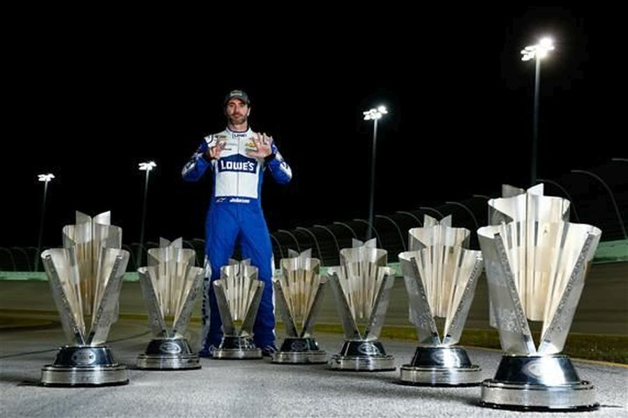 Jimmie Johnson Se7en, 2016 NASCAR Sprint Cup Series Champion