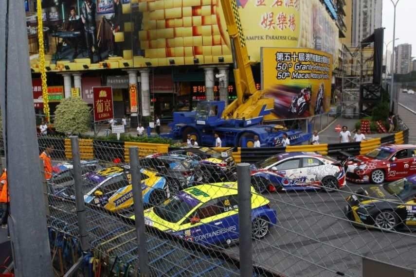 2016 TCR, Macau Guia Circuit, traffic jam