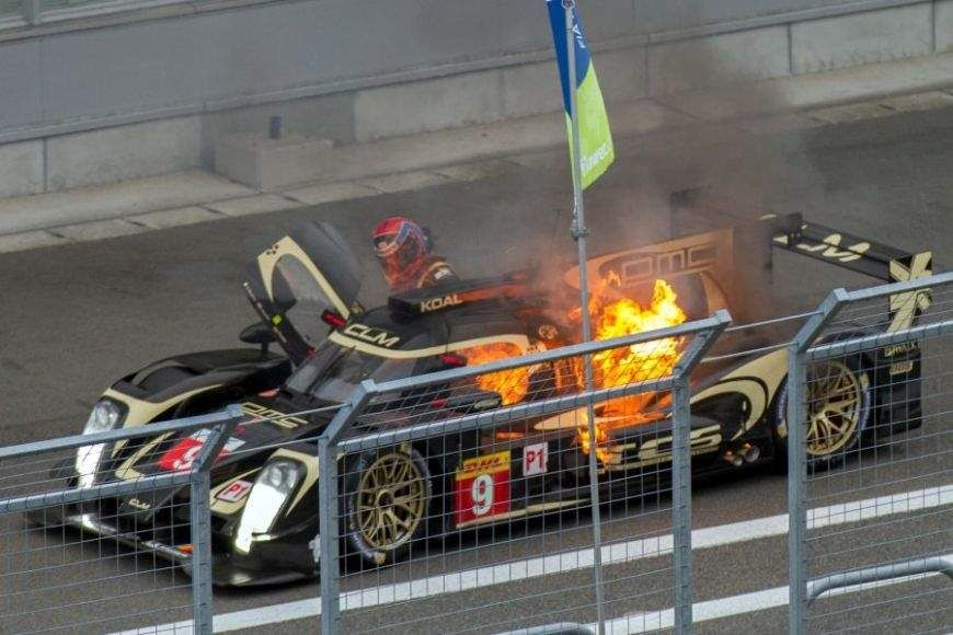2014,Fuji, Christophe Bouchut is escaping from burning Lotus CLM P1/01