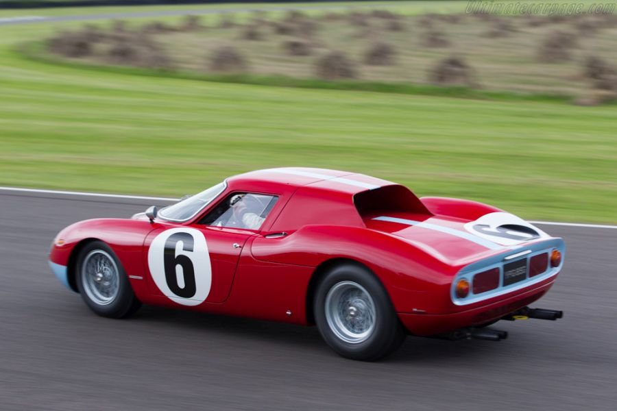 Ferrari 250 LM racing, side and rear view