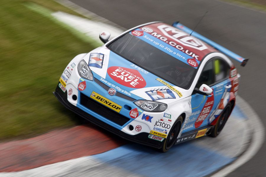 Jason Plato in the 2014 BTCC with MG