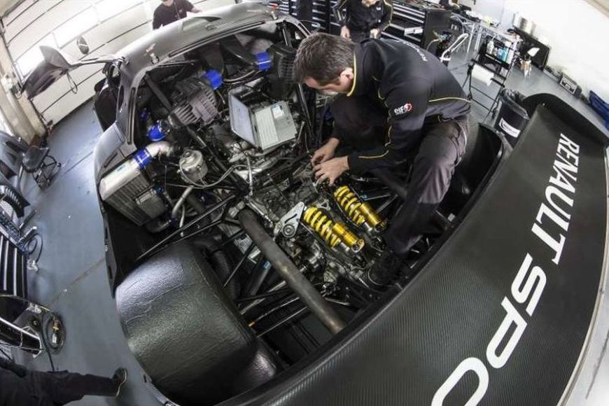 Nissan Nismo's V6 engine in the RenaultSport RS 01, new drive
