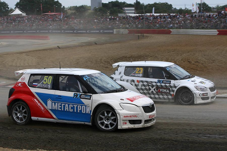 Nikita Misyulya and Krisztian Szabo were driving for Volland Racing in 015