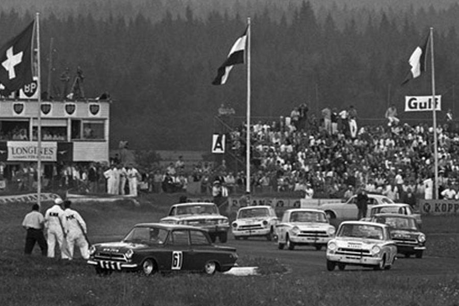 Touring cars, Karlskoga,1964, black and white