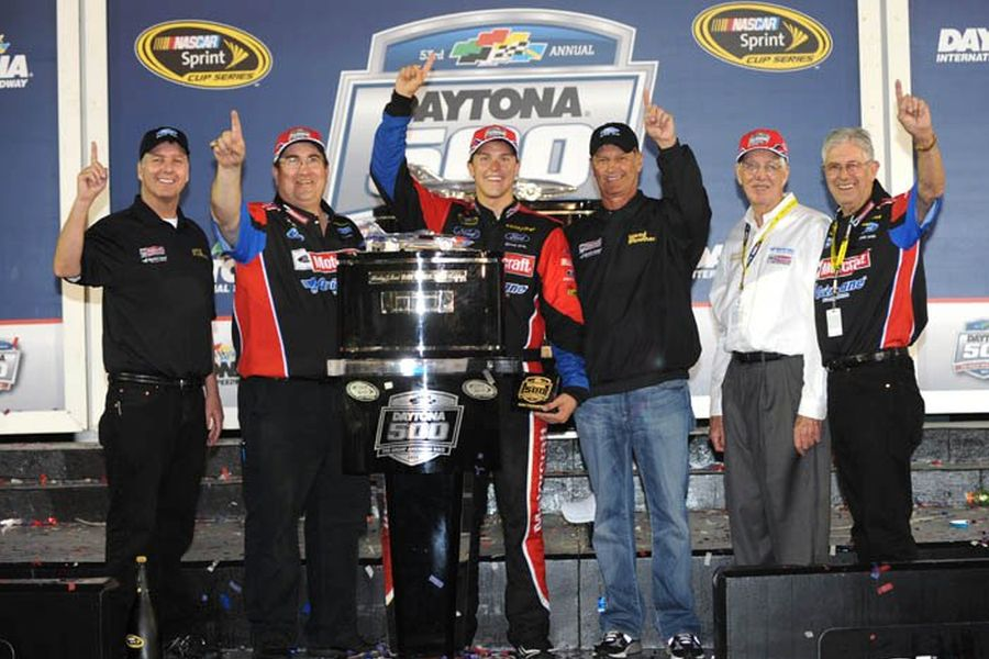 Trevor Bayne and WBR team after 2011 Daytona 500 victory