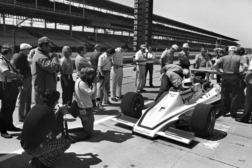 1977 Indianapolis 500, Janet Guthrie