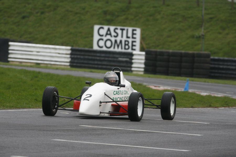 Castle Combe Circuit, racing school
