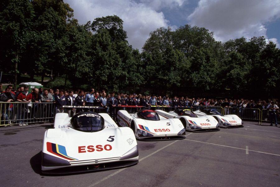 presentation-four-peugeot-905-race-cars-1991