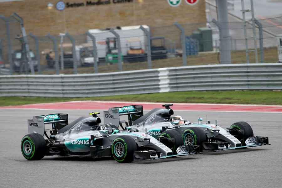Mercedes F1 W06 Hybrid on track