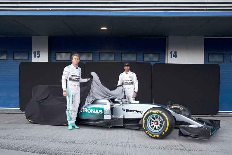 Mercedes F1 W06 Hybrid unveiled