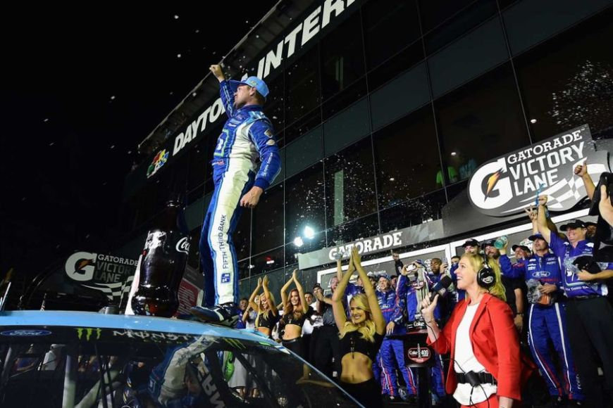 Ricky Stenhouse wins Coke Zero 400 at Daytona