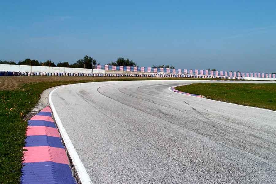 Autodromo Levante Binetto Italia nel auto pista pilota trofeo più moto gare home delle piloti