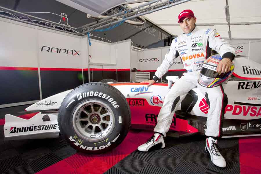 Pastor Maldonado Rapax 2010 nyck vries teams motorsport fia rapaxteam