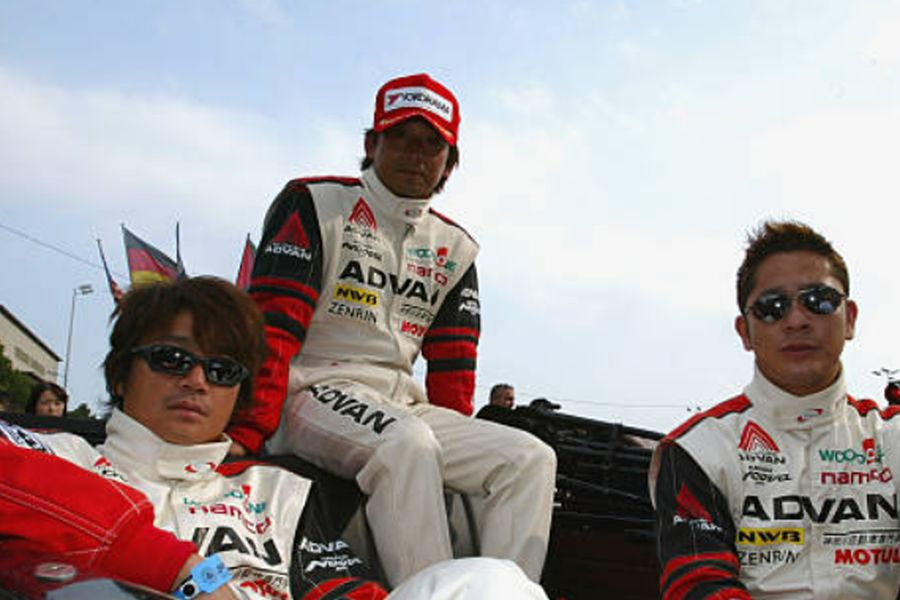 Masahiko Kondo with teammates Ukyo Katayama and Ryo Fukuda at 2003 Le Mans 24h