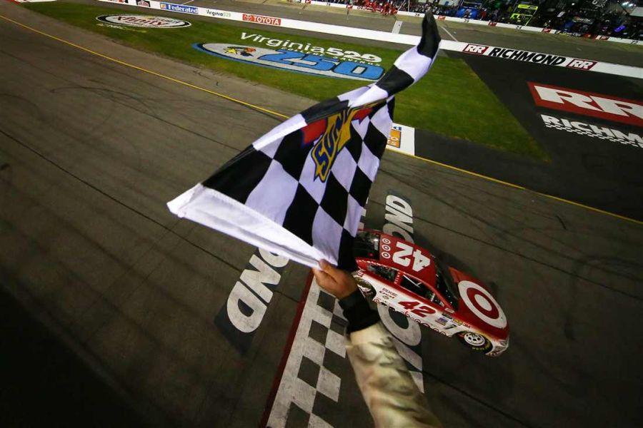 Kyle Larson wins at Richmond Raceway