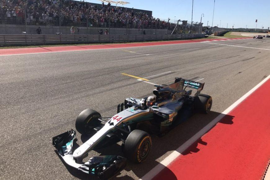Lewis Hamilton wins the 2017 United States Grand Prix