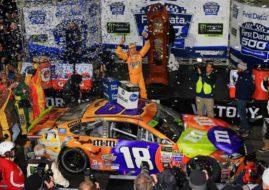 Kyle Busch wins at Martinsville Speedway
