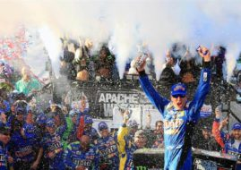 Kyle Busch wins at Dover International Speedway