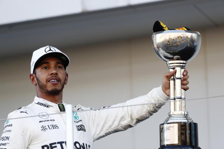 Lewis Hamilton wins the 2017 Japanese Grand Prix