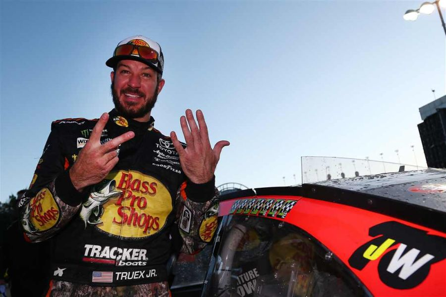 Martin Truex Jr wins at Kansas Speedway