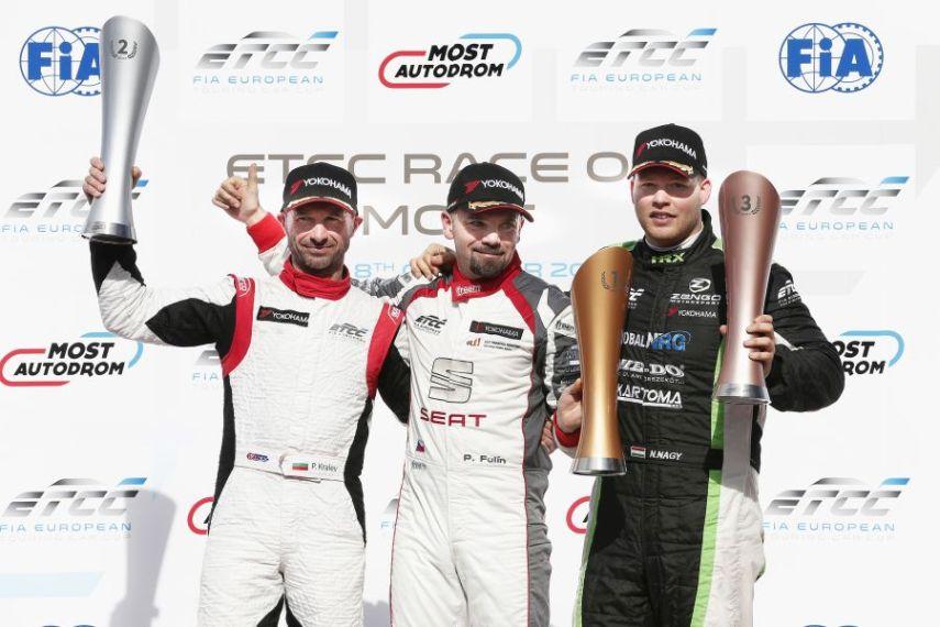 ETCC Most race 2 podium Plamen Kralev, Petr FULIN, Norbert Nagy
