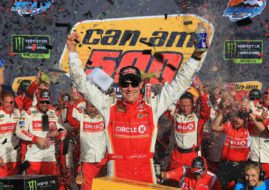 Matt Kenseth wins at Phoenix