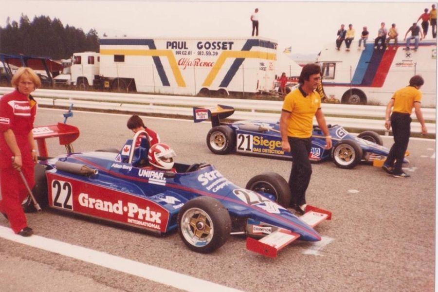 Eddie Jordan as a team owner in 1983 British F3 season