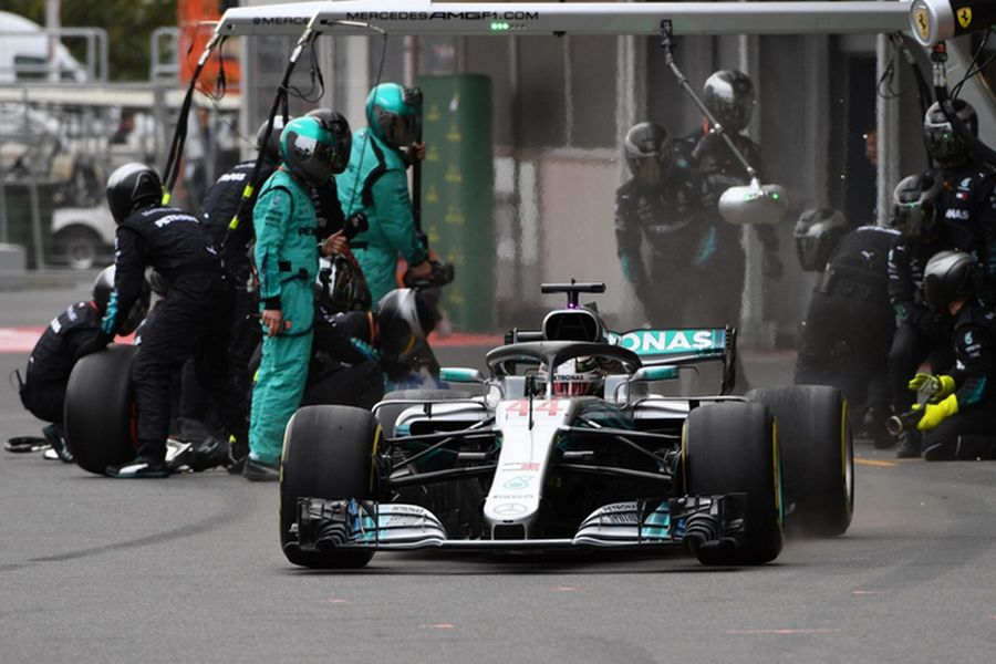First win of the season for Lewis Hamilton