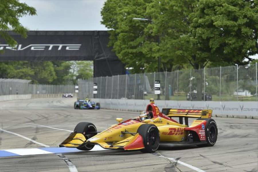 Ryan Hunter-Reay's #28 Chevrolet