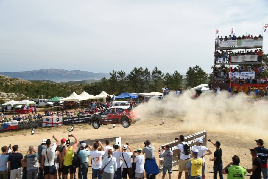 Rally Italia Sardegna, jumping in the dust
